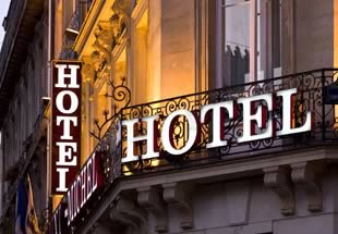 accepting international currencies hotel