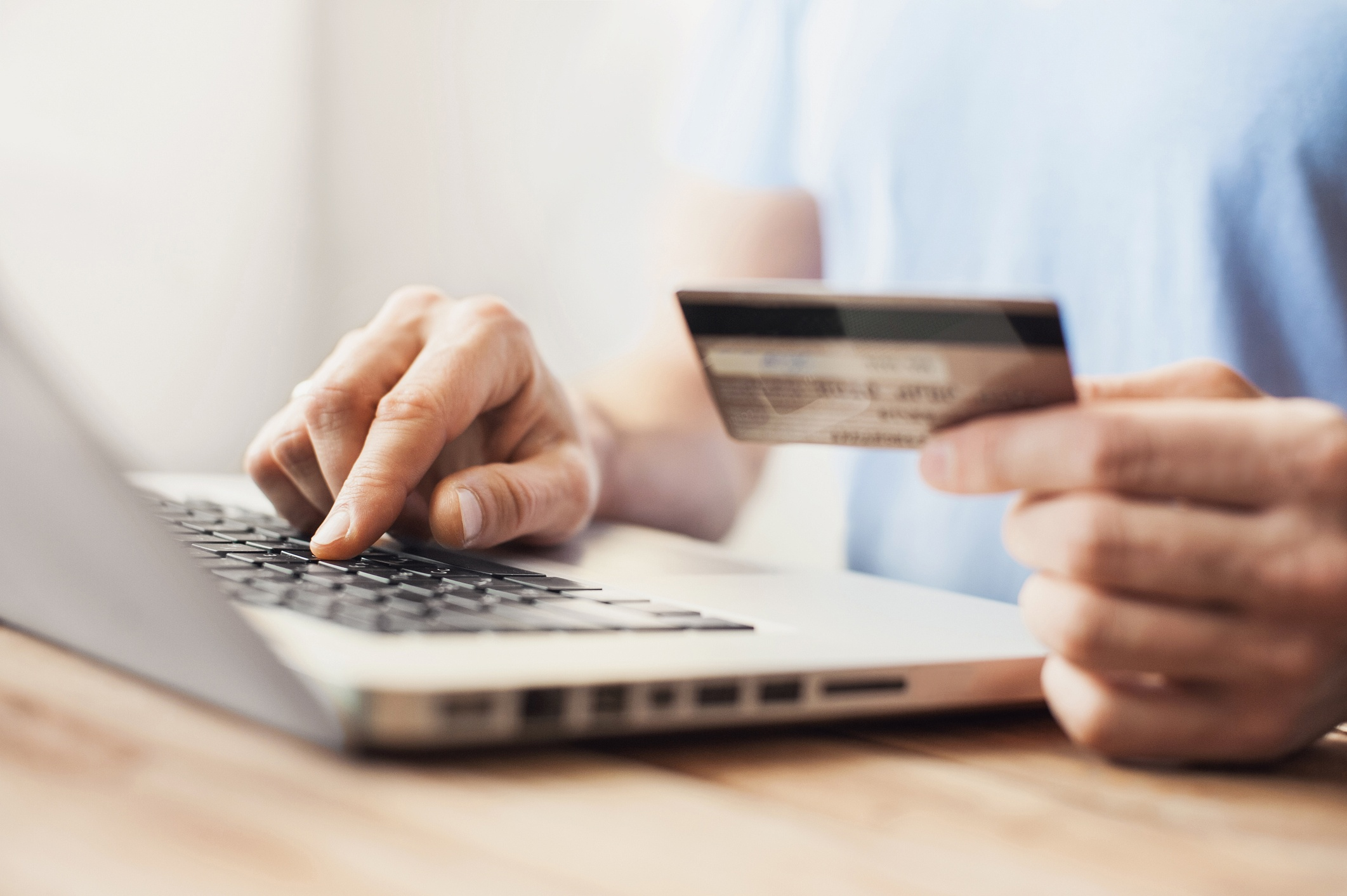 How Does Online Credit Card Processing Work?